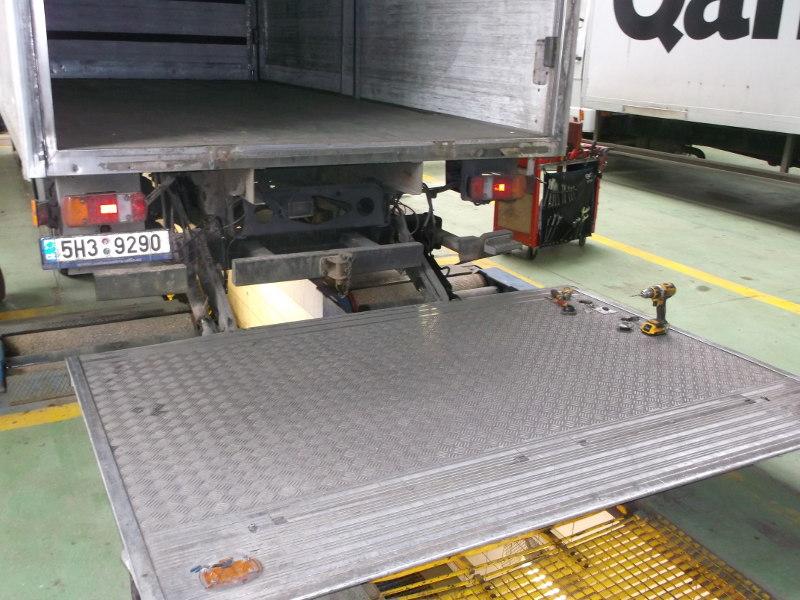 Servis hydraulických plošín